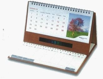 לוח שנה שולחני בתוספת יומן שולחני