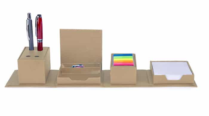קופסא דגלים,דפי ממו אטבים דביקים וכוס לעט